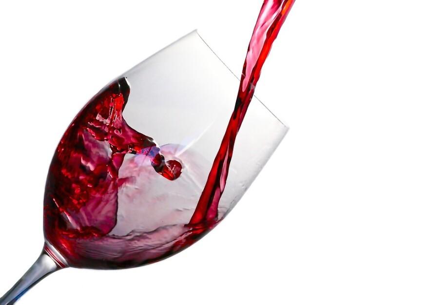 wine_in_glass.jpg