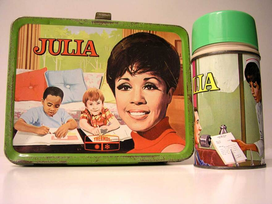 063018_cb_julia_lunch_box_for_all_the_world_to_see_exhibition.jpg