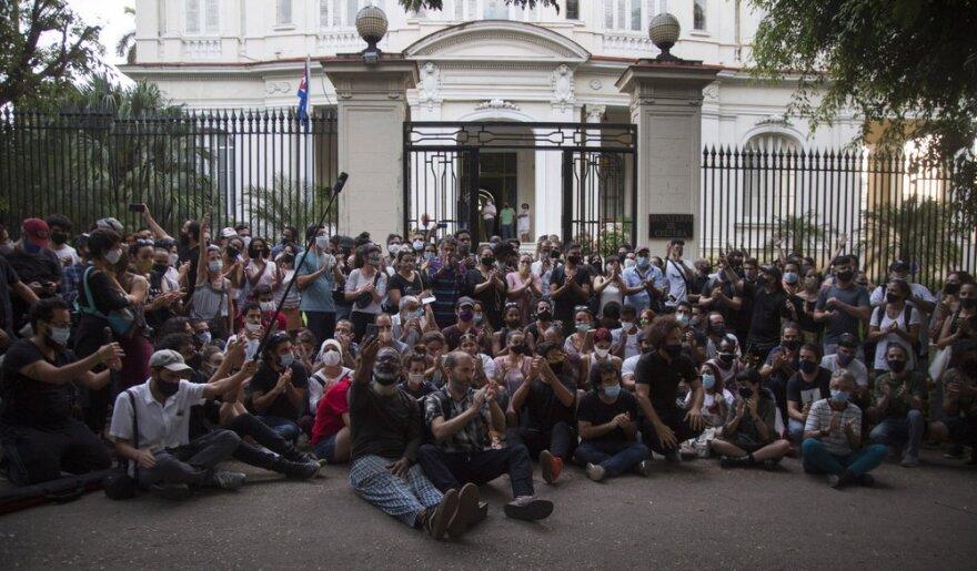 CubanArtistProtesters.jpeg