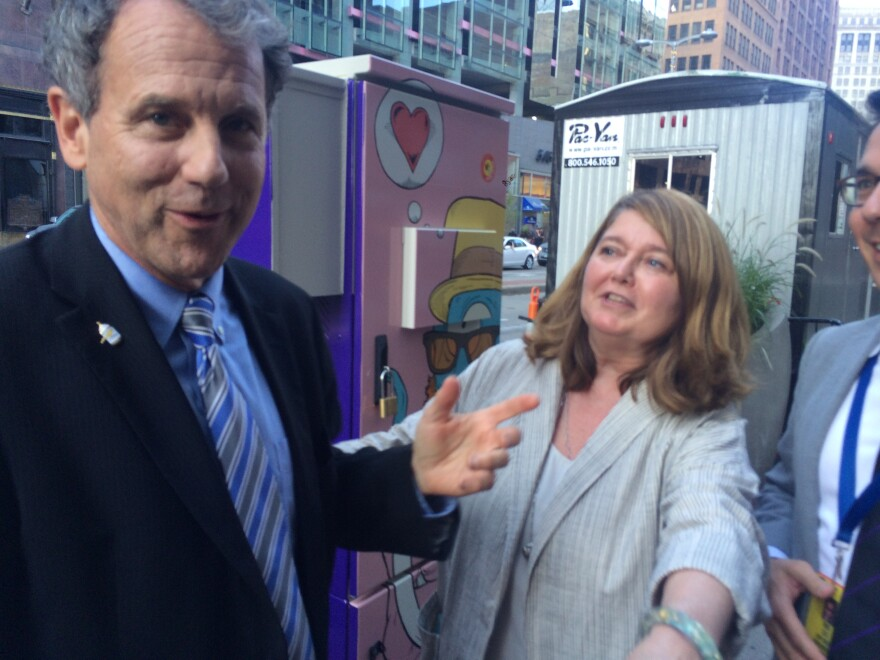 photo of Sherrod Brown, Connie Shultz