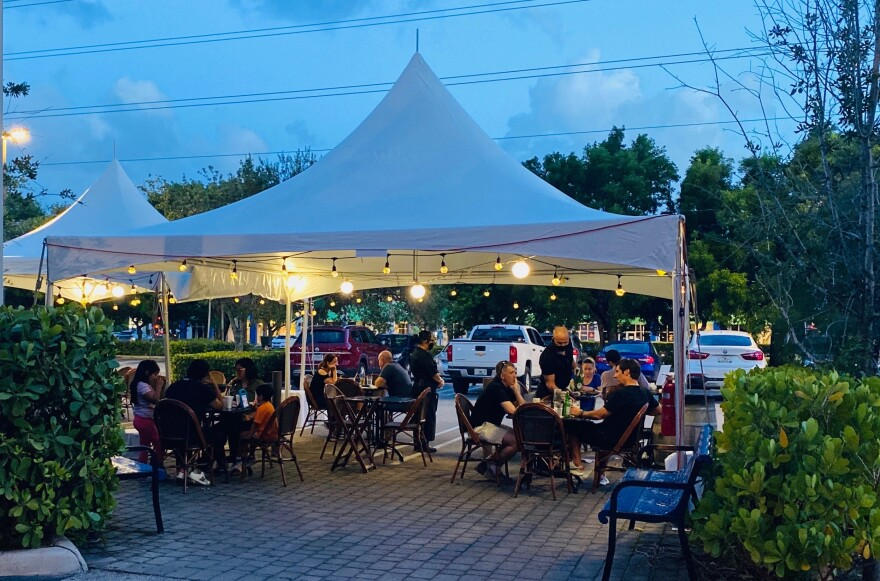 Sergio's had to set up more outdoor seating at the Doral location.