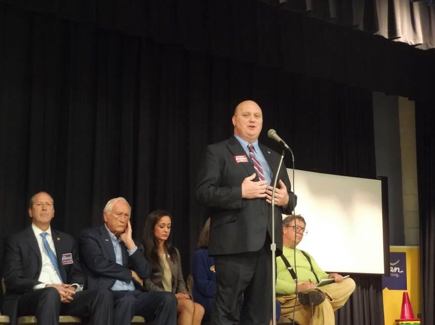 Stony Rushing addresses the Mecklenburg Evening Women's Republican Club.