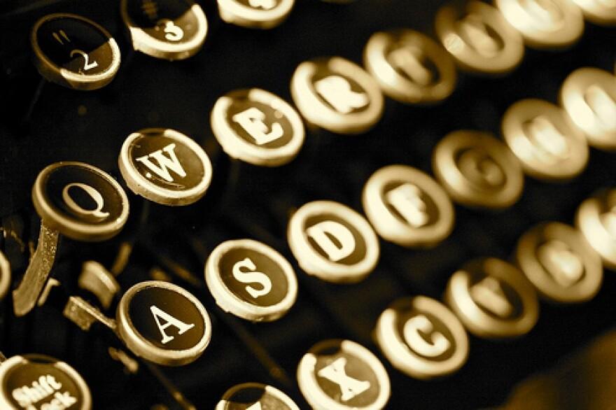 typewriter.toastytreat.jpg