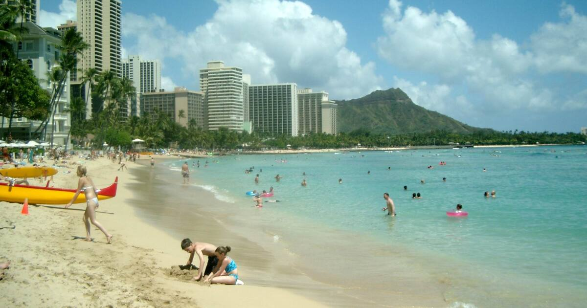 A Summer in Wakīkī With No Japanese Tourists
