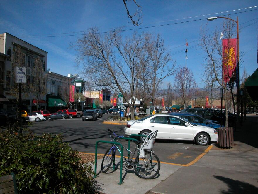 ashland_or-plaza.jpeg