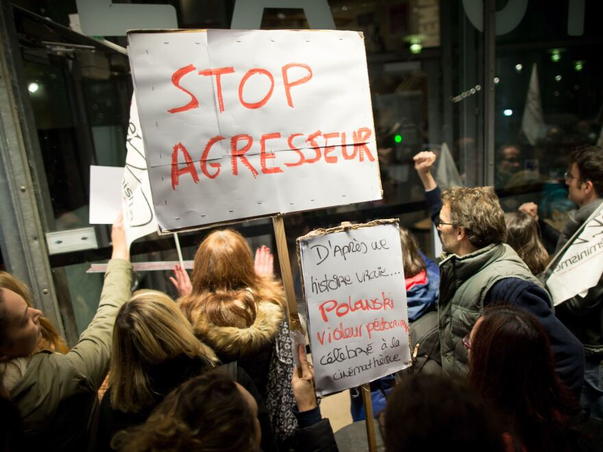 On Monday, French activists demonstrated against French-Polish director Roman Polanski, accused of a string of sexual assaults, prior to a screening in Paris.