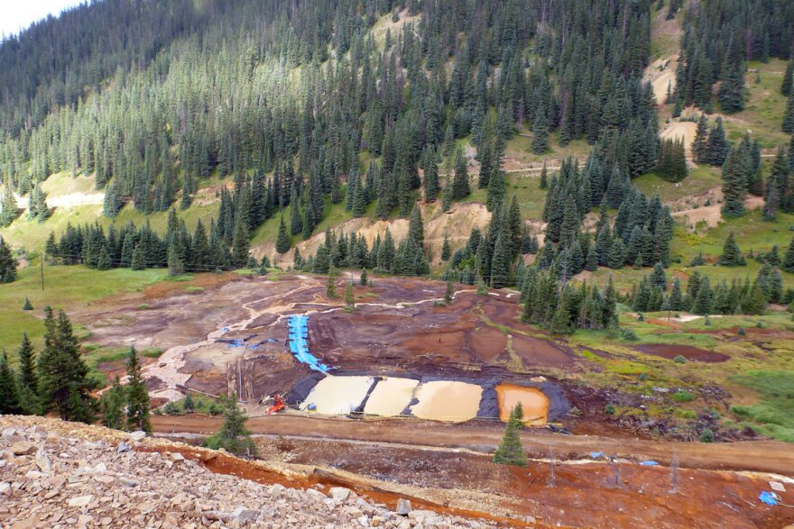 gold-king-mine_settling-ponds_epa_08222015.jpg