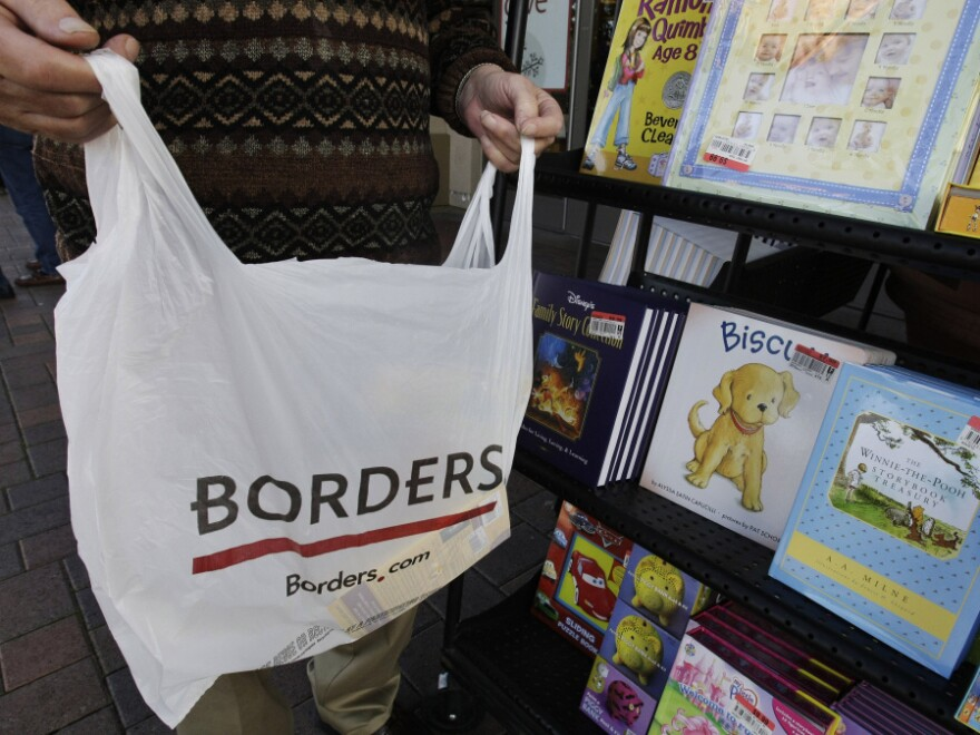 Borders Group Inc. has decided to liquidate its remaining 399 stores.