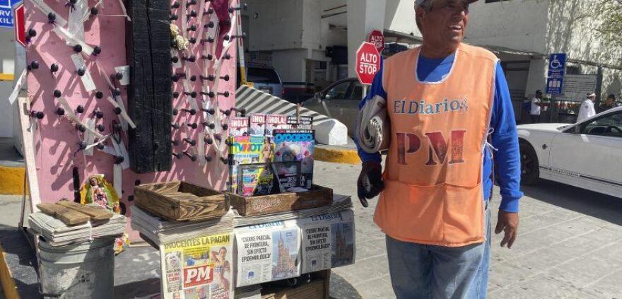 Street-vendor-820x394_0.jpg