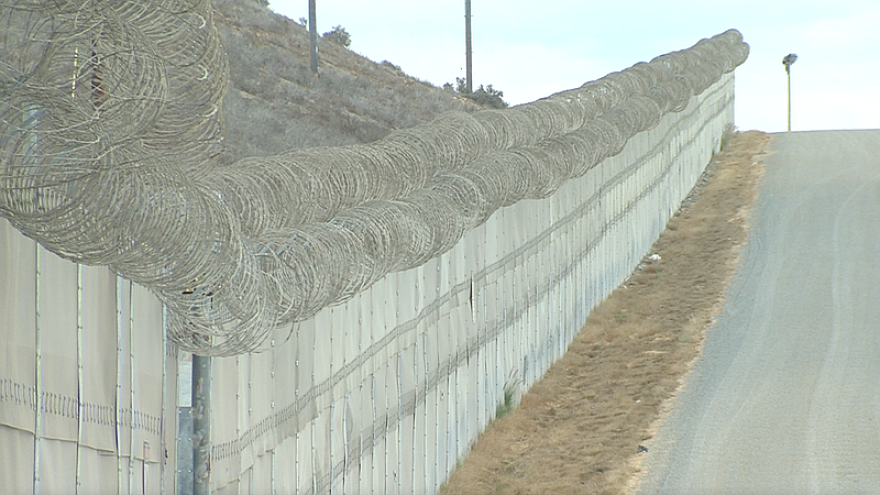 borderfence_t800.png