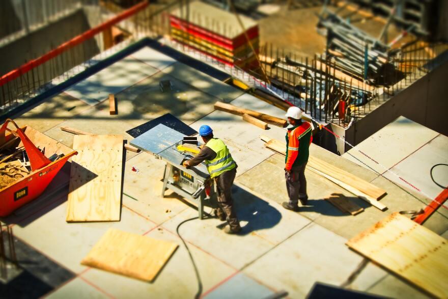 builders-building-construction-159306.jpg