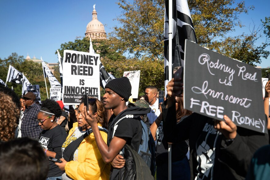 Hundreds protest the execution of Rodney Reed