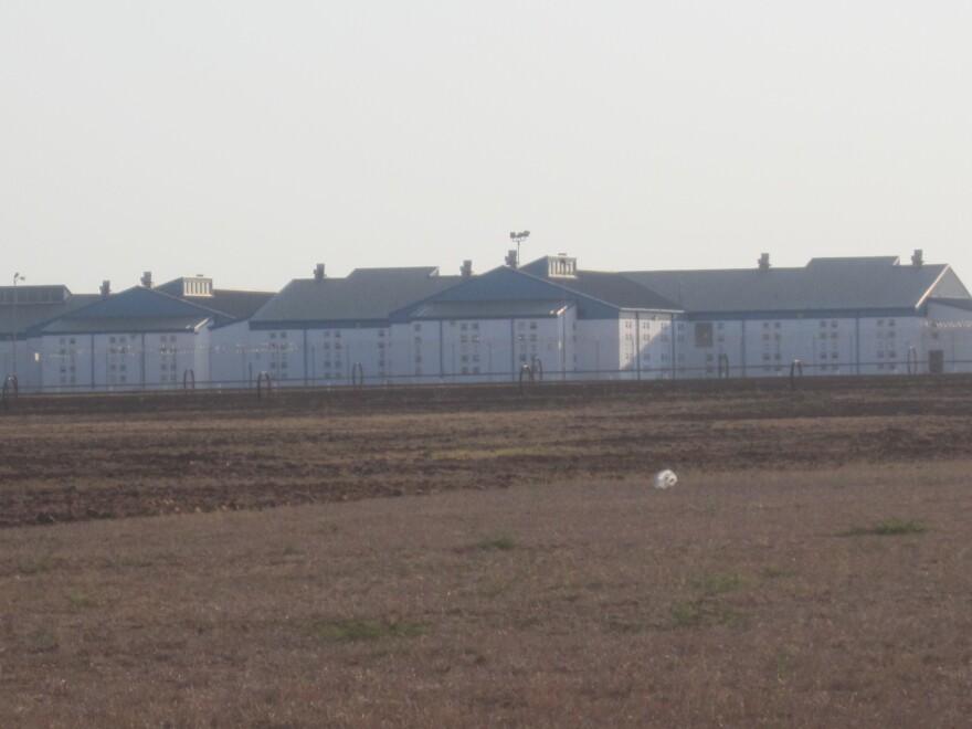 Dolph_Briscoe_Prison_Dilley_TX_IMG_3321.jpg