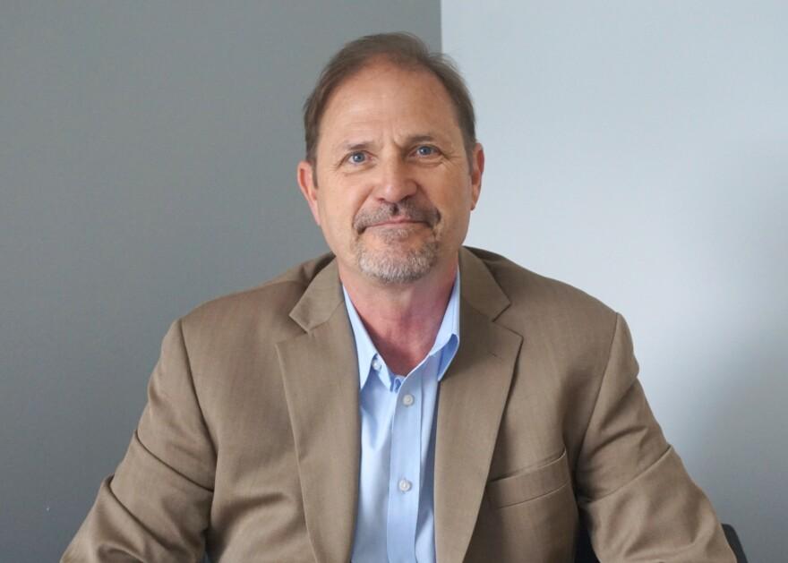 "Bill Hart is the author of ""Historic Missouri Roadsides."""