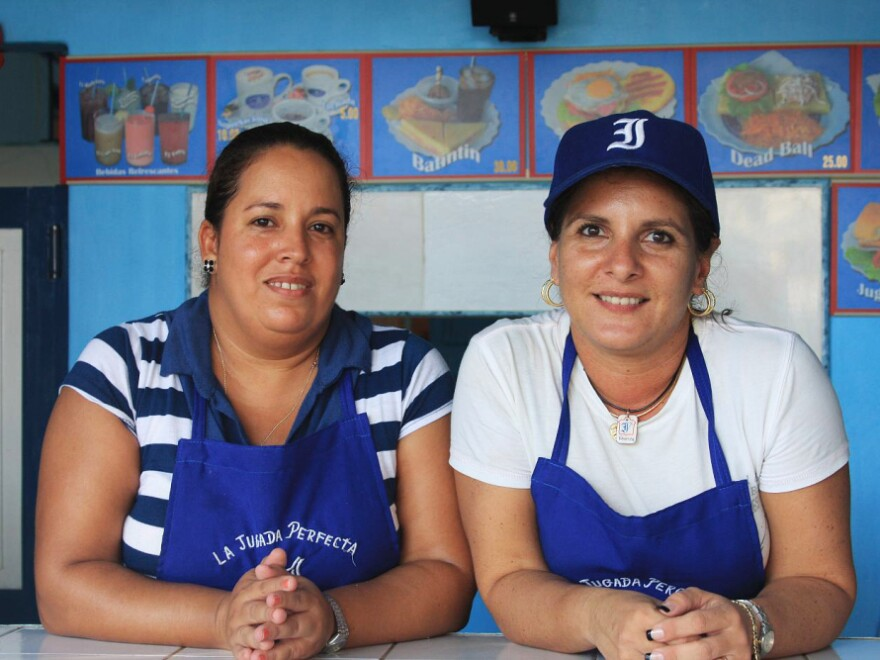 "The Perfect Play, a baseball-themed snack bar, is quickly becoming famous  among fans of Havana's beloved team, the Industriales. On the menu: coffee, milkshakes and sandwiches such as the ""Dead Ball"" (tuna)."