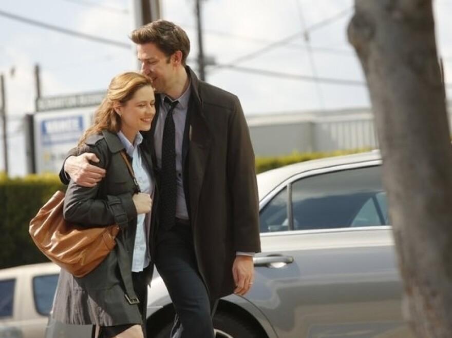 Jenna Fischer and John Krasinski in <em>The Office</em>.