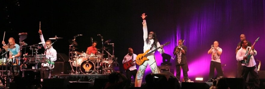 Earth Wind and Fire 10082009.jpg