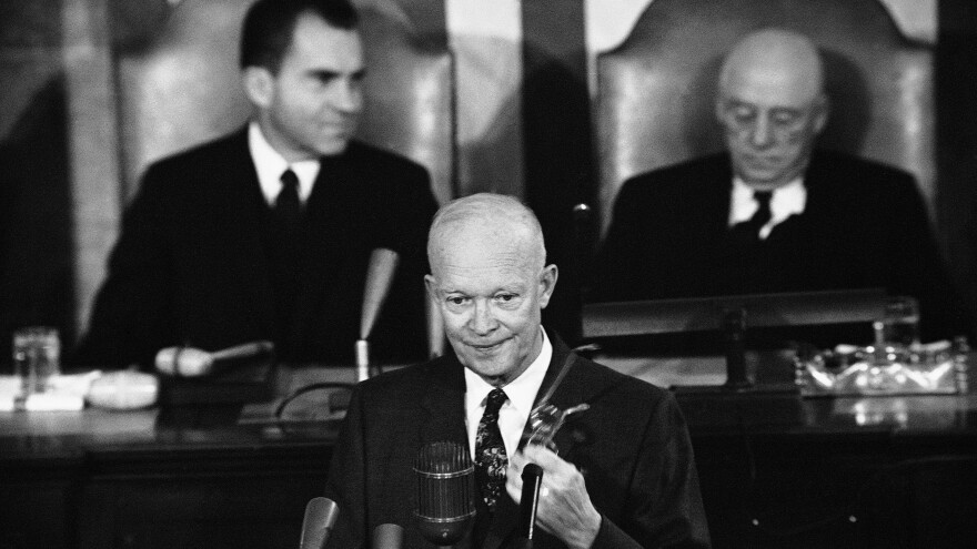President Dwight Eisenhower delivers his State of the Union address before a joint session of the 86th Congress in 1959. Behind him are Vice President Richard Nixon (left) and Speaker of the House Sam Rayburn.