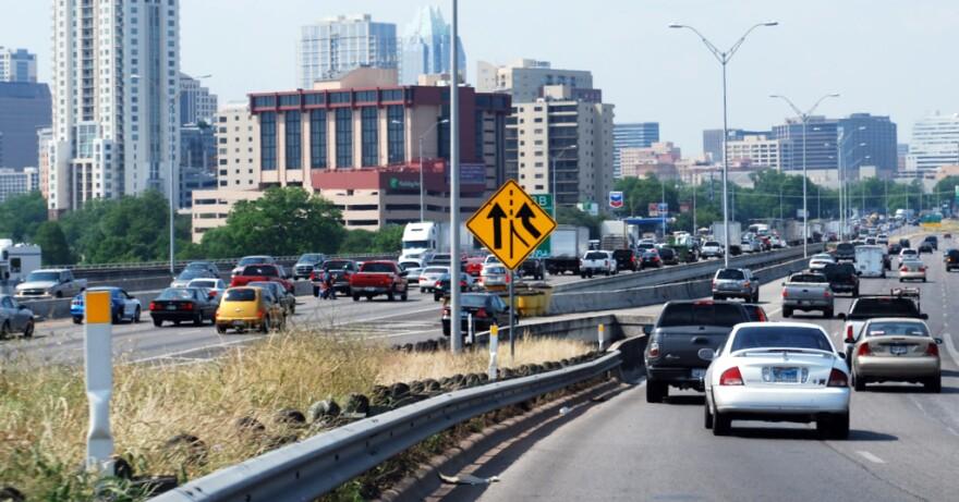 1-Traffic_at_I-35_and_Riverside_(looking_North)-_Callie_Hernandez.JPG