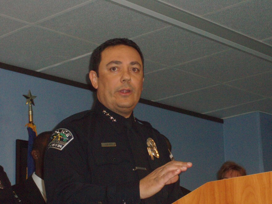 APD_Chief_Art_Acevedo.jpg