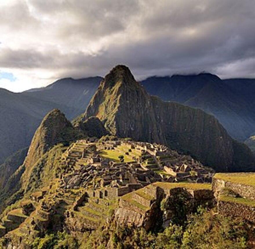 300px-80_-_Machu_Picchu_-_Juin_2009_-_edit.2.jpg