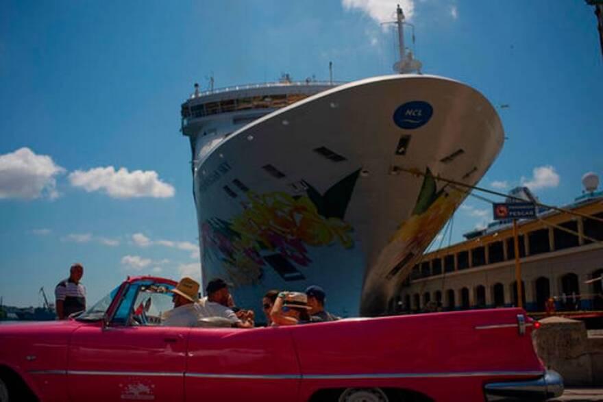cruiseship.jpg