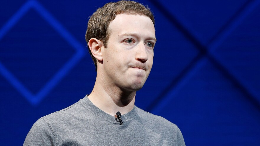 Facebook CEO Mark Zuckerberg will visit Capitol Hill to discuss consumer data privacy issues, under questioning from Senate and House panels.
