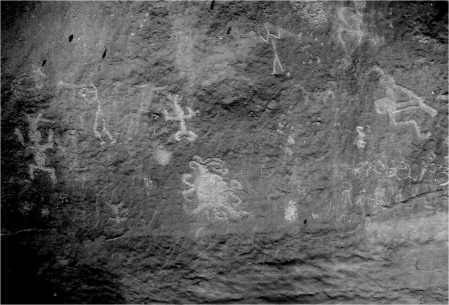 chaco_canyon_eclipse_petroglyph.jpg