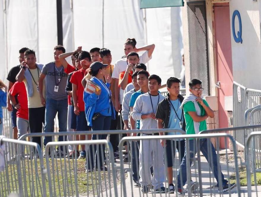 ninos_adolescentes_inmigrantes_detenidos_florida.jpeg
