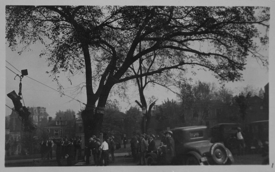 Workers tied ropes to a large elm tree on the capitol lawn and a winch was placed on the top of the dome to get Ceres to the top of the capitol building in 1924.