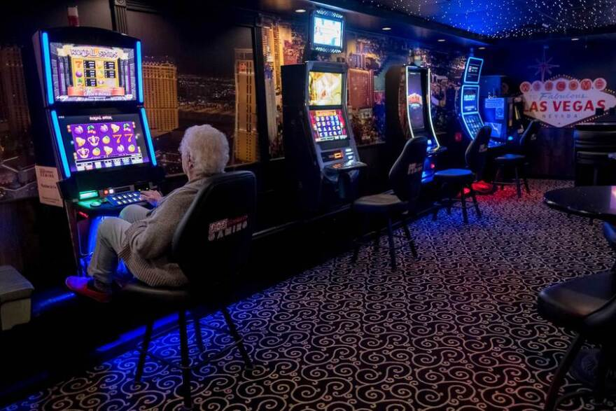 The Sunset Inn & Suites in Clinton, Illinois, features a video gambling room open to guests and local residents.