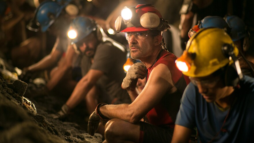 Antonio Banderas plays Chilean miner Mario Sepulveda in <em>The 33.</em>