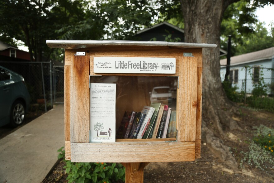 lil-library-1.jpg
