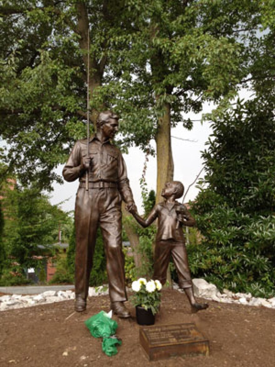 AndyGriffithStatue.jpg