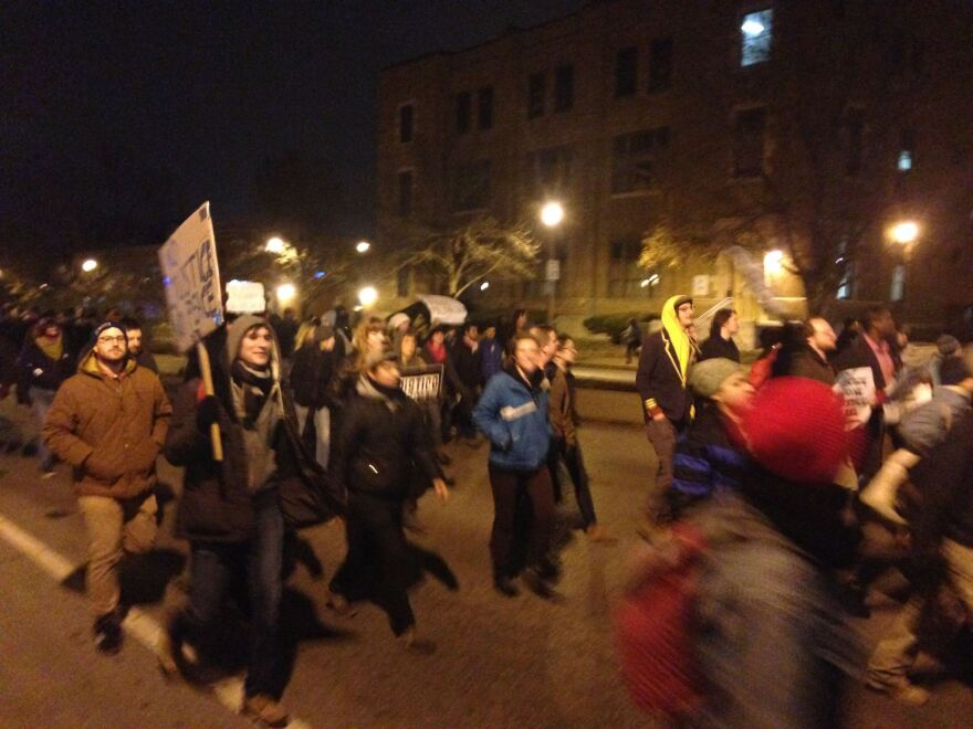 Marchers on Grand Boulevard nov 24