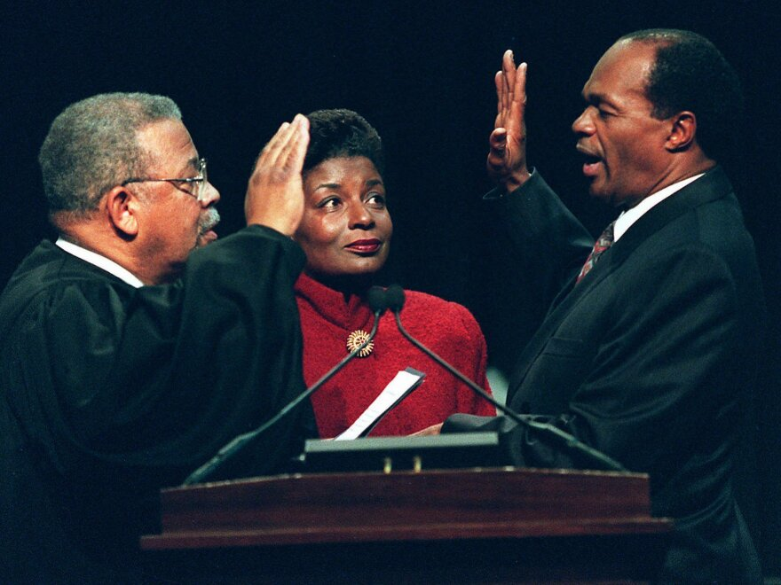 Barry, with his wife, Cora Masters Barry, is sworn in for a fourth term as mayor in 1994.