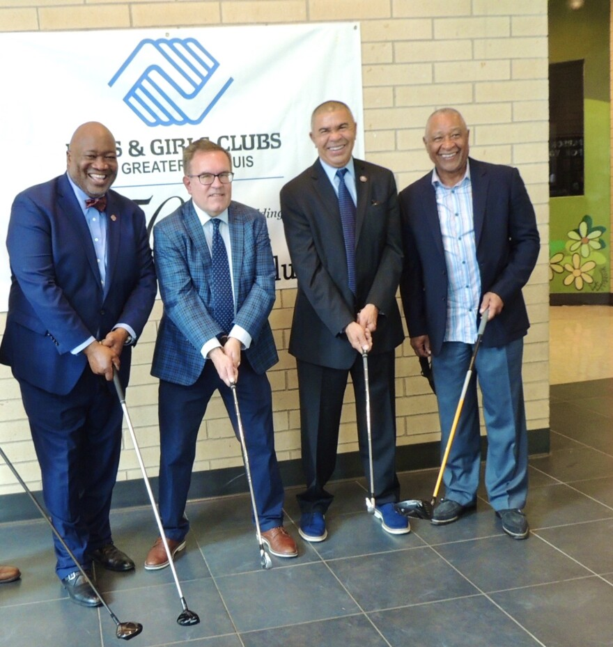 Dr. Flint Fowler, EPA Administrator Andrew Wheeler, Congressman Lacy Clay and Cardinal Hall of Famer Ozzie Smith celebrate the future PGA Academy .JPG