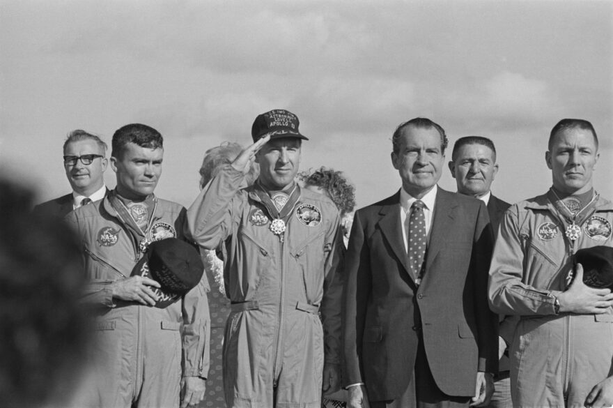 US President Richard Nixon meets the Apollo 13 astronauts in Honolulu, Hawaii, after their safe return to Earth. From left to right (front row) Fred Haise, Jim Lovell, Richard Nixon and Jack Swigert.