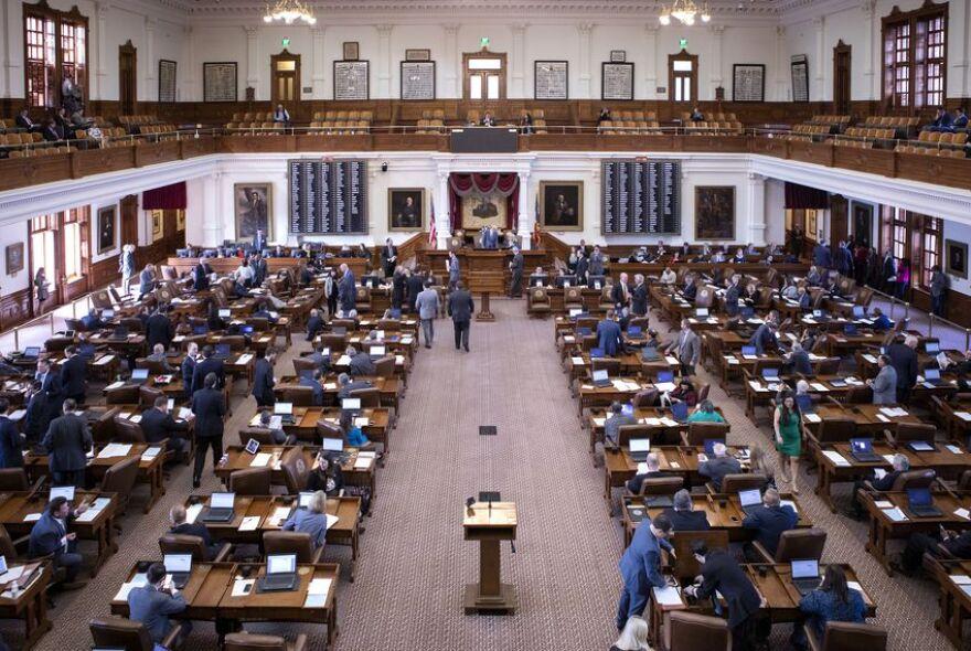 06_House_Legislative_Session_Capitol_MG.jpg