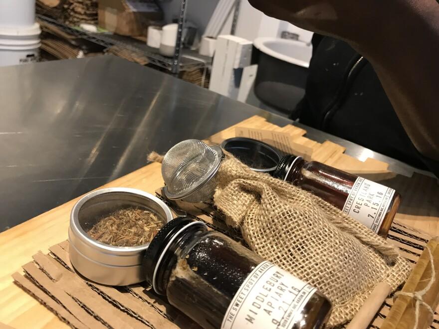 photo of Akron Bee Co box