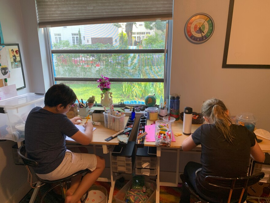 alexandra_chace_daughter_distance_learning_teachers_miami-dade.jpg