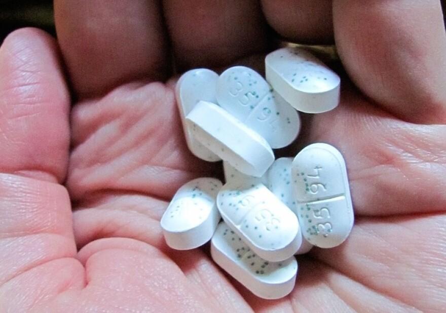 pills-14550_960_720.jpg