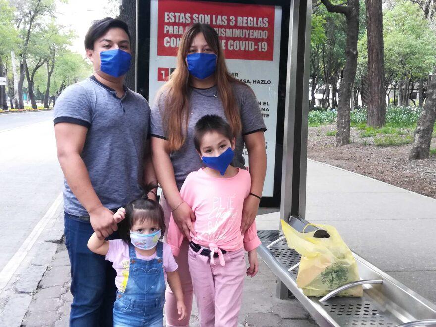 Familia-Rojas-scaled.jpg