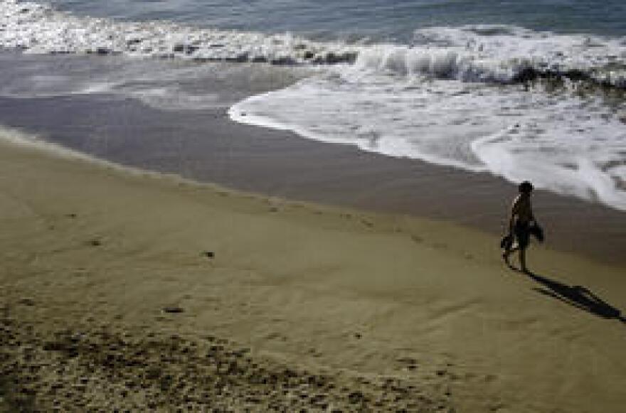 beach_via_pablo_recio_via_flickr.jpg