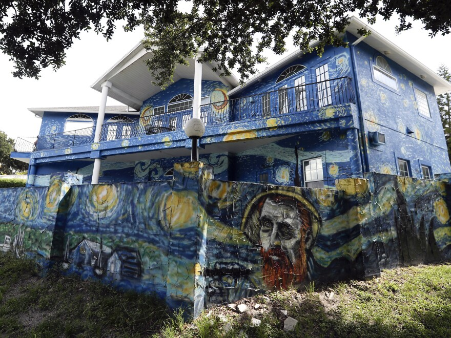 The Mount Dora City Council unanimously agreed on Tuesday that homeowners, Nancy Nemhauser and Lubomir Jastrzebski, can keep a mural interpretation of Vincent Van Gogh's <em>The Starry Night</em>, to end the nearly yearlong code-enforcement case.