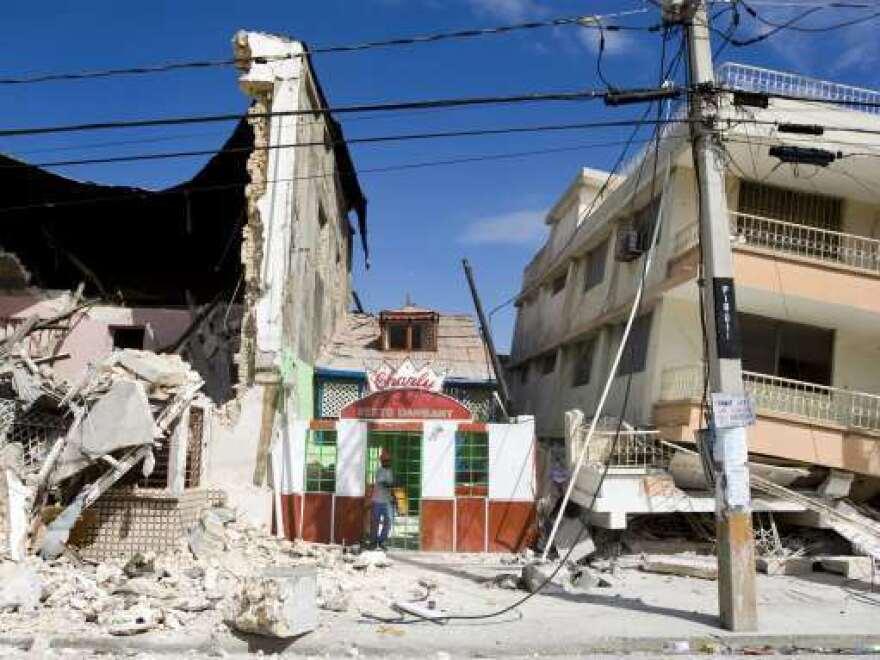 Haiti_Earthquake_building_damage.jpg