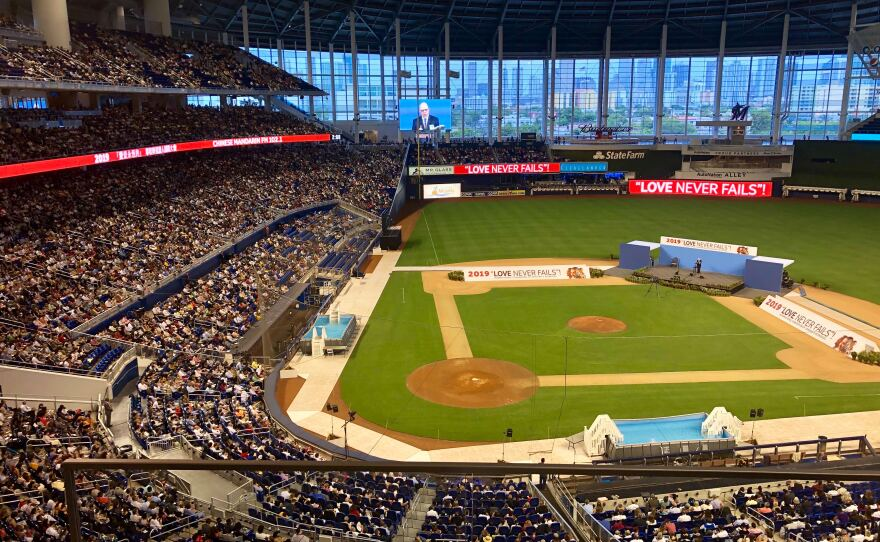 Jehovah S Witnesses Wrap Up Record Breaking International Convention At Marlins Park Wlrn