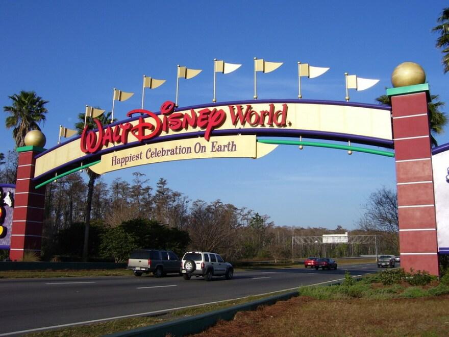 Walt_Disney_World_Resort_Wikimedia.jpg