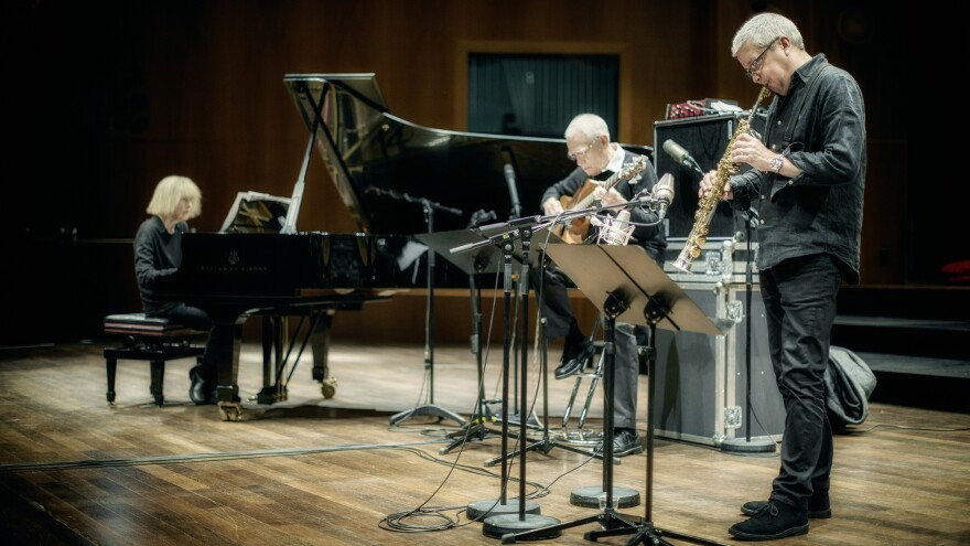 <strong></strong>Carla Bley with her trio, bassist Steve Swallow and saxophonist Andy Sheppard.