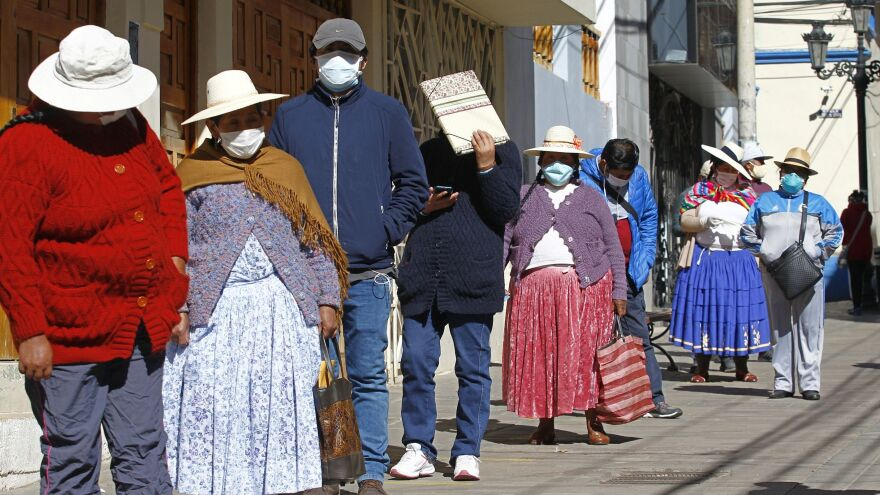 People in the Andean city of Puno, Peru, lined up earlier this month to withdraw funds from their pensions. The World Food Programme says the number of people experiencing severe  food insecurity in Latin America and the Caribbean could quadruple.